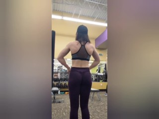 Fitness Babe Does Arm Day, Yoga, and Masturbates in the Changing Room
